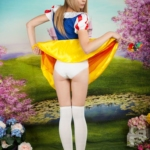 Spankable Snow White - Flashing white panties